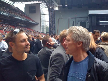 Benjamin and Peter Klintø chatting before the Bruce Springsteen concert 2008