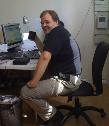 Dan at the Outsphere office