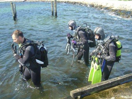 Erik and Thomas Klintø going diving with me